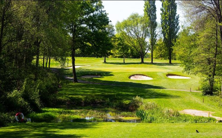 Lingfield park 18 hole golf course located in surrey, near london